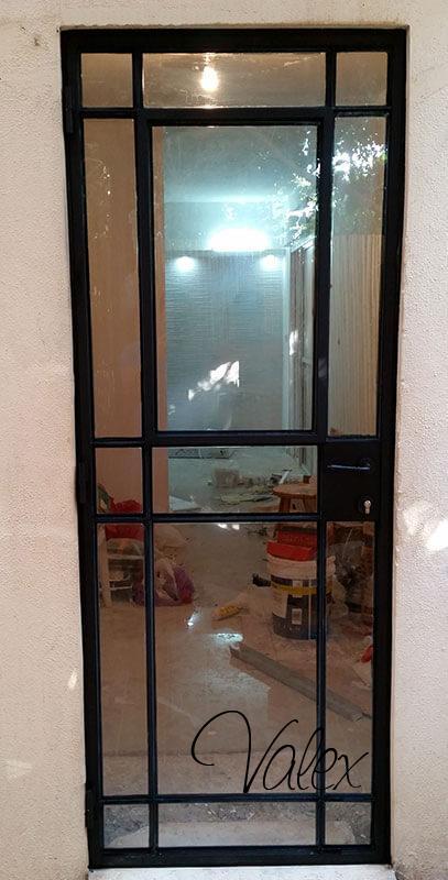 דלת בלגי כולל חלון