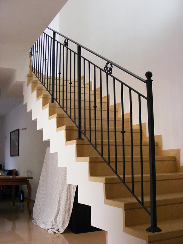 מעקה קלאסי מדרגות