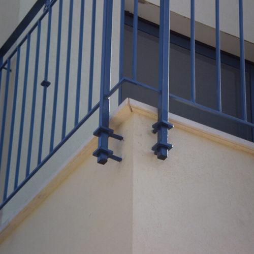 התקנה מחוץ למרפסת