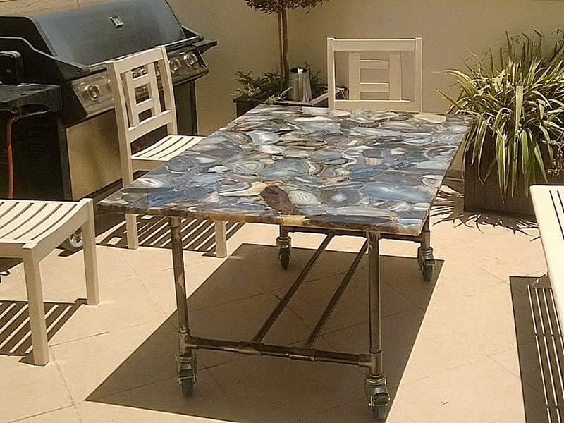 שולחן ברזל לגינה כולל שיש