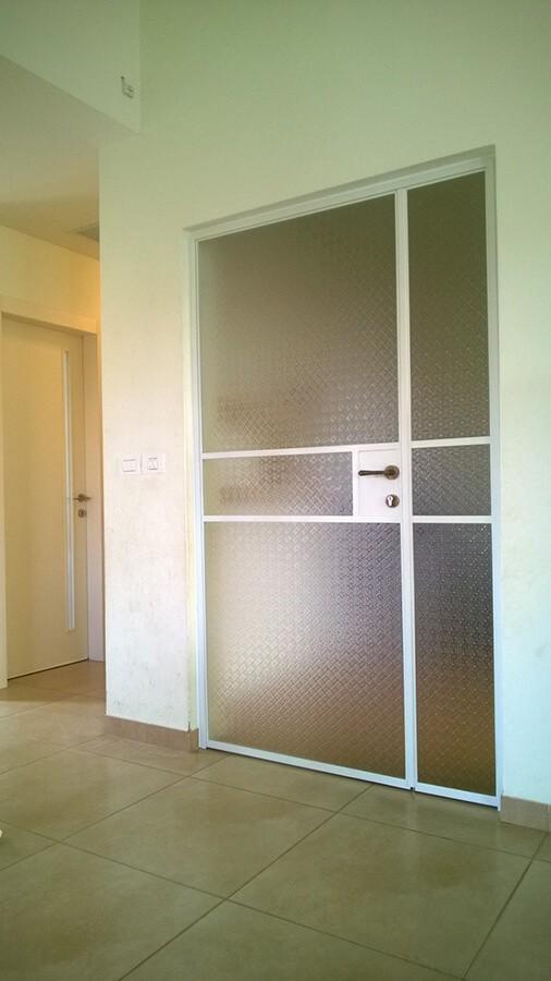 דלת-בלגית-עם זכוכית-סבתא