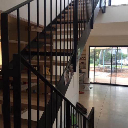 פרויקט של מעקות למדרגות ומדרגות מברזל בהוד השרון 2018
