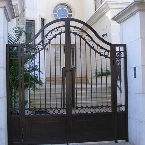 שער כניסה מברזל