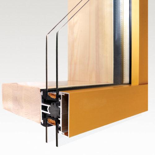 חלונות אלומיניום בשילוב עץ ואלה