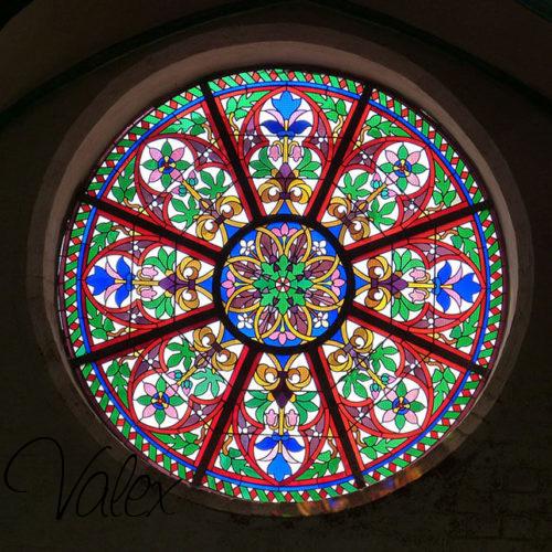 זכוכית צבעונית