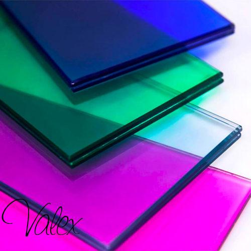 זכוכית טריפלקס צבעוני