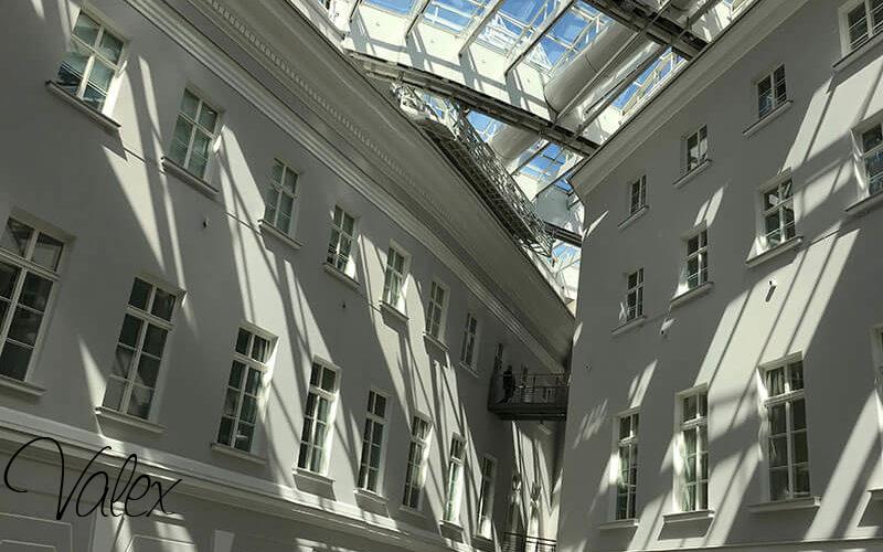 חלונות עץ עם שפרוס