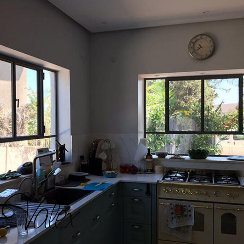 חלונות בלגיים למטבח מברזל