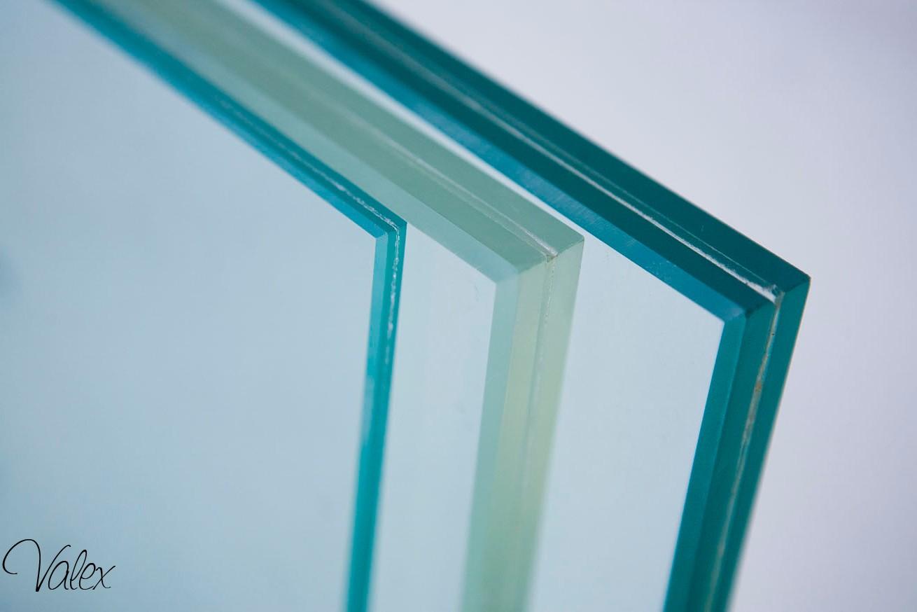 זכוכית טריפלקס