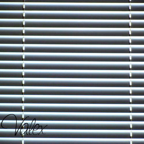 חלונות בלגיים עם תריס חשמלי