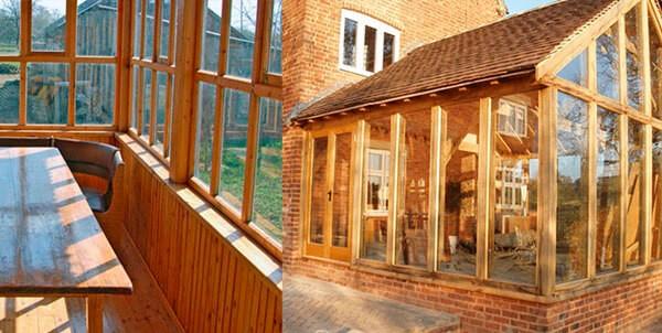 מסגרות זכוכית בדודית וזיגוג כפול ויטרינות עץ