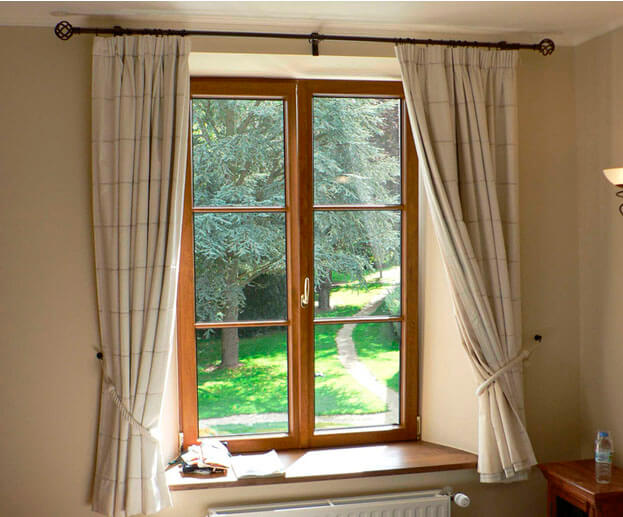 חלונות עץ אורן