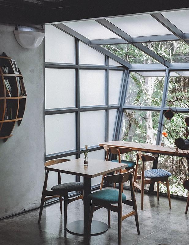 חלונות בלגיים ברזל לחדריי שמש
